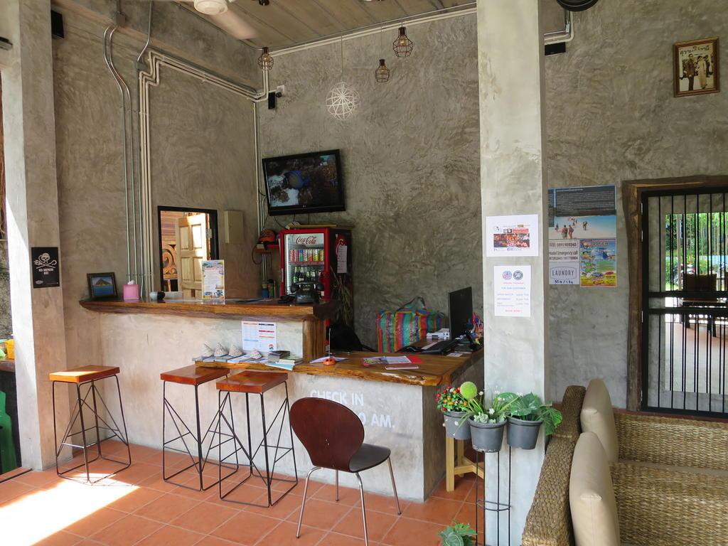White Jail best hostels in Koh Tao