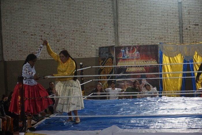 Cholitas Wrestling Bolivia
