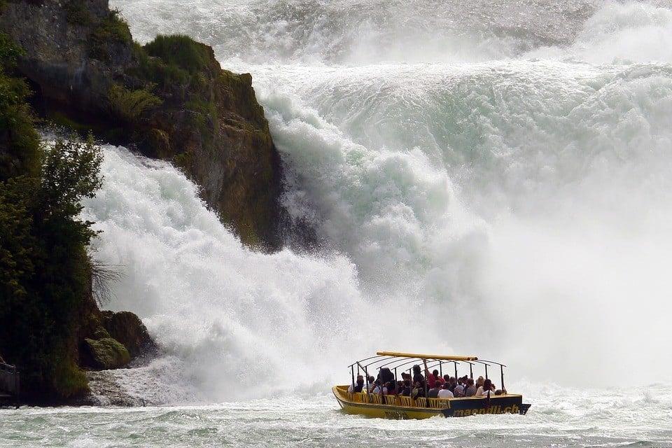 rhine-falls-1344623_960_720