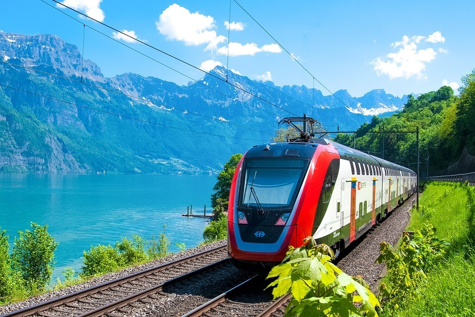 train-switzerland-lake