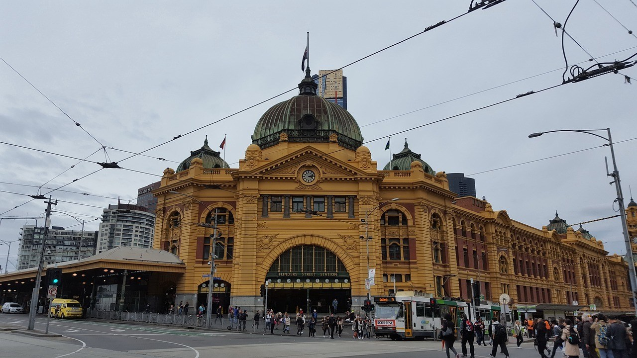flinders-street-station-melbourne-2661255_1280