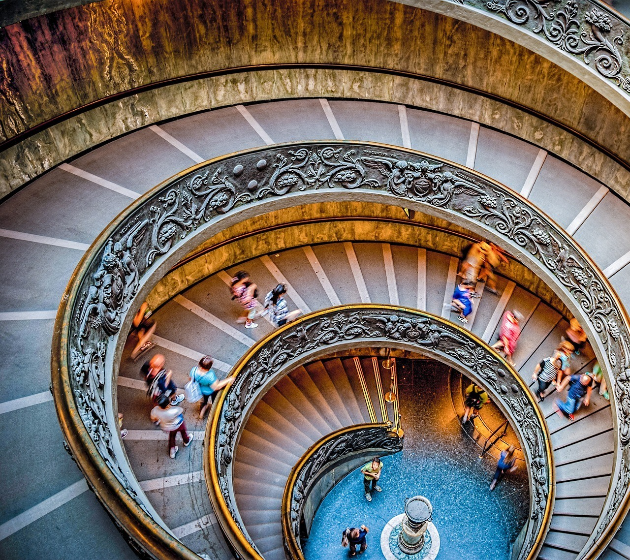stairs-vatican-museum