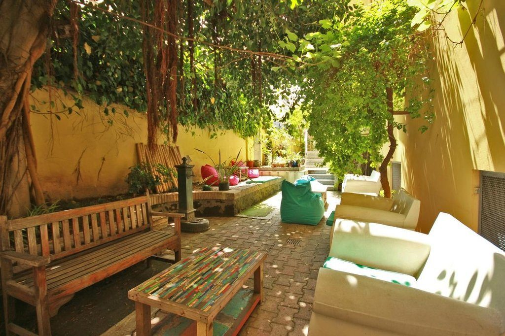 the-beehive-hostel-rome