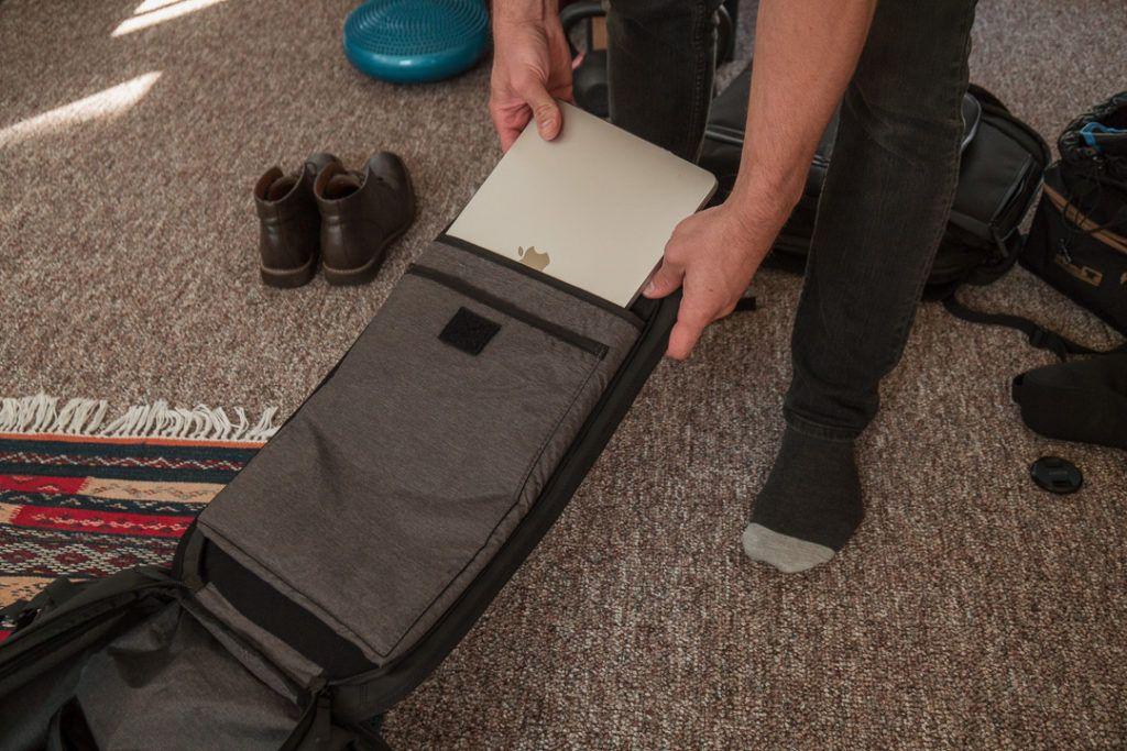 nomatic laptop compartment