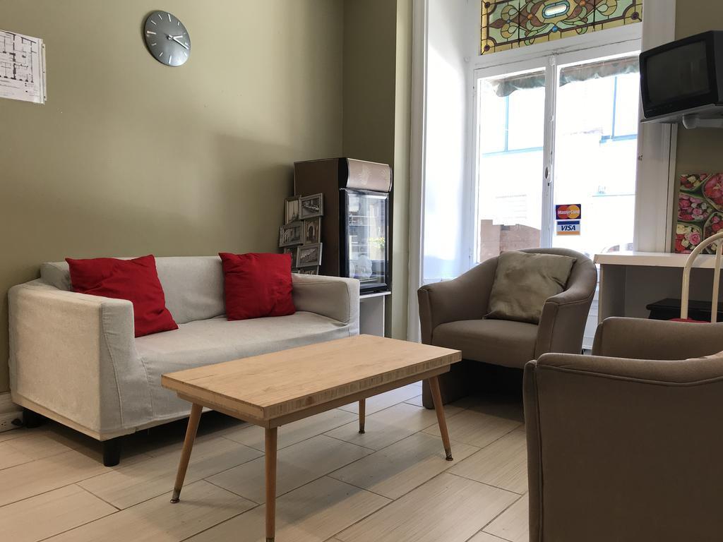 Auberge St-Louis best cheap hostels in Quebec