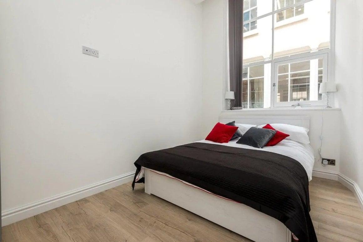 Chic 2 Bedroom Apartment