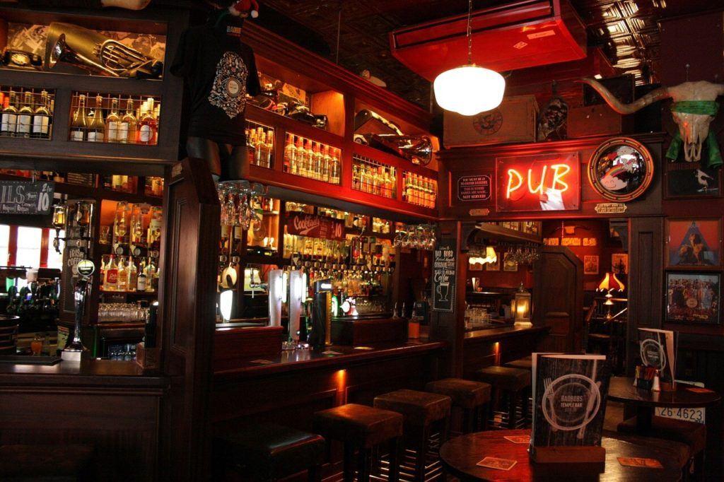 Get drunk Dublin style on a backpacker-friendly pub crawl