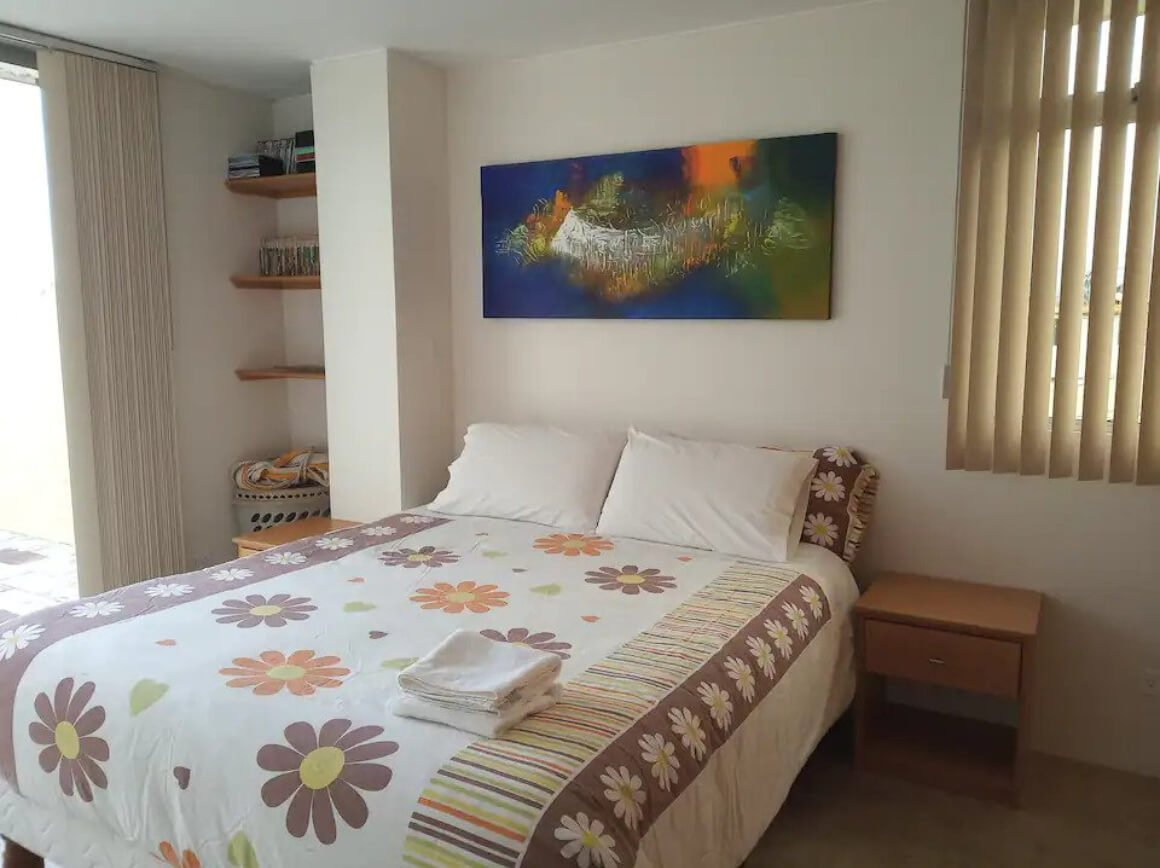Guest suite close to UIO airport