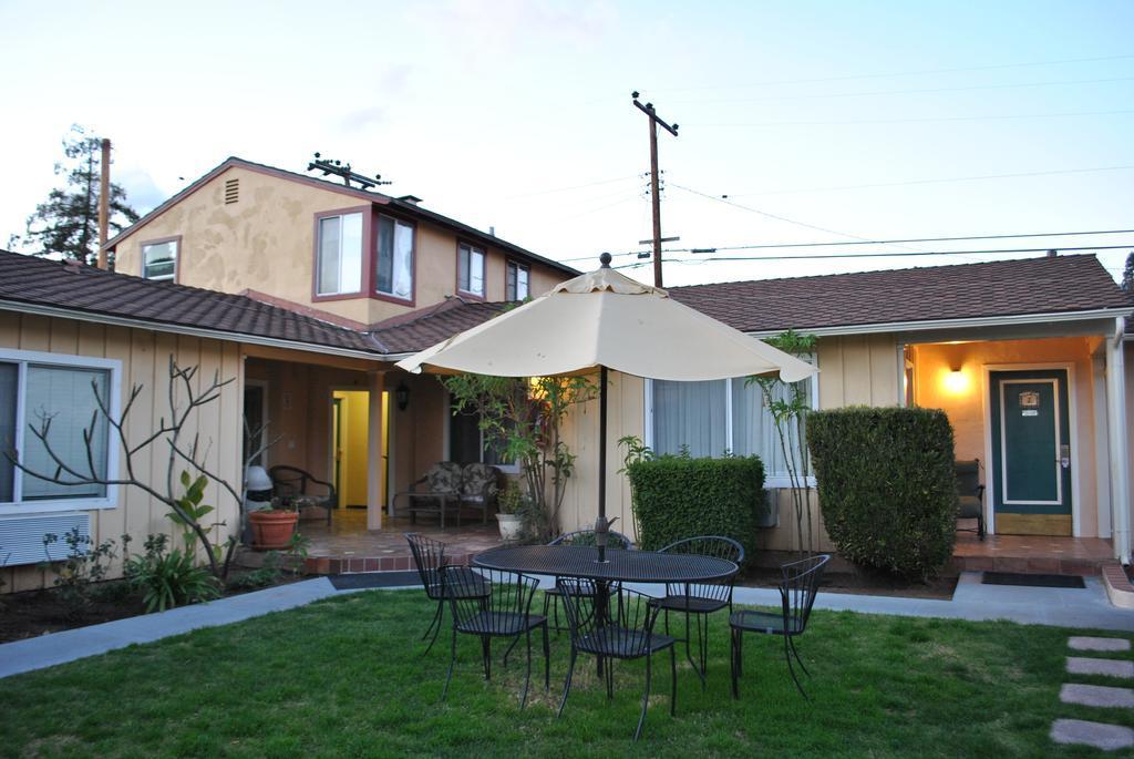 Oasis Inn Suites best hostels Santa Barbara