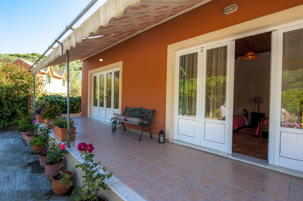 Pieros Studios Lisipios best hostels in Corfu
