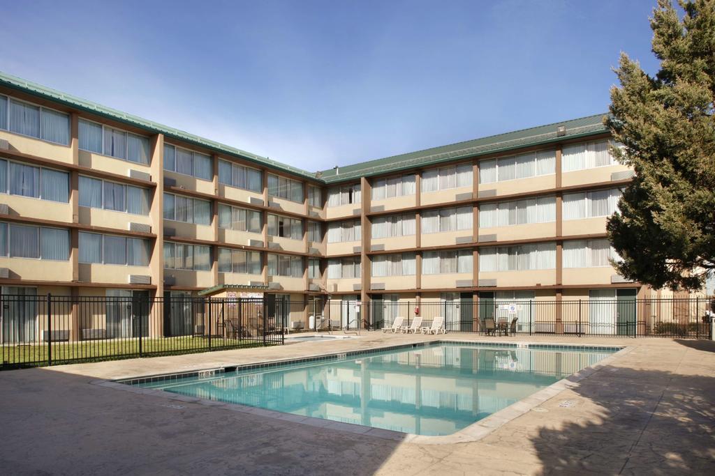 Radisson Hotel Denver best hostels in Denver