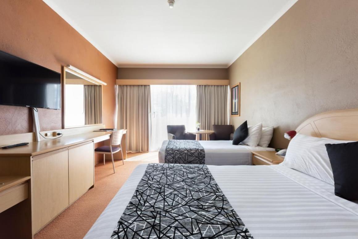 Statesmen Hotel