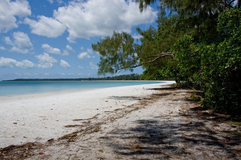 backpacking tanzania pemba island beach