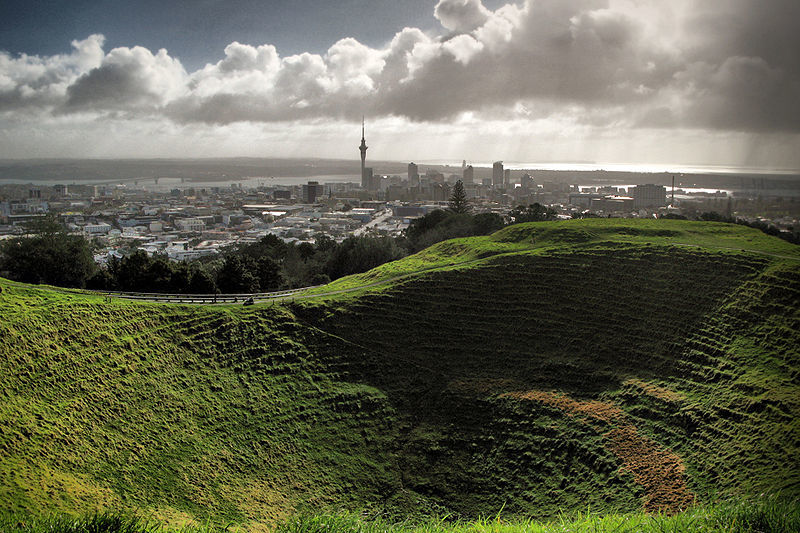 backpacking auckland