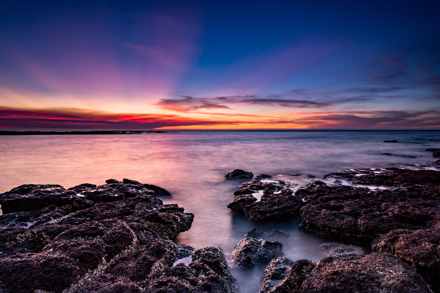 backpacking darwin sunset