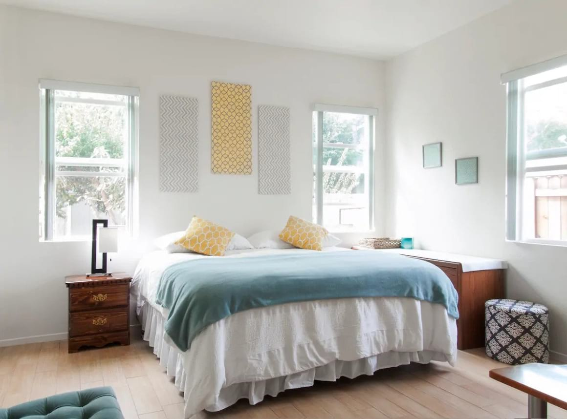 Bright and Airy Mesa Beach Guesthouse