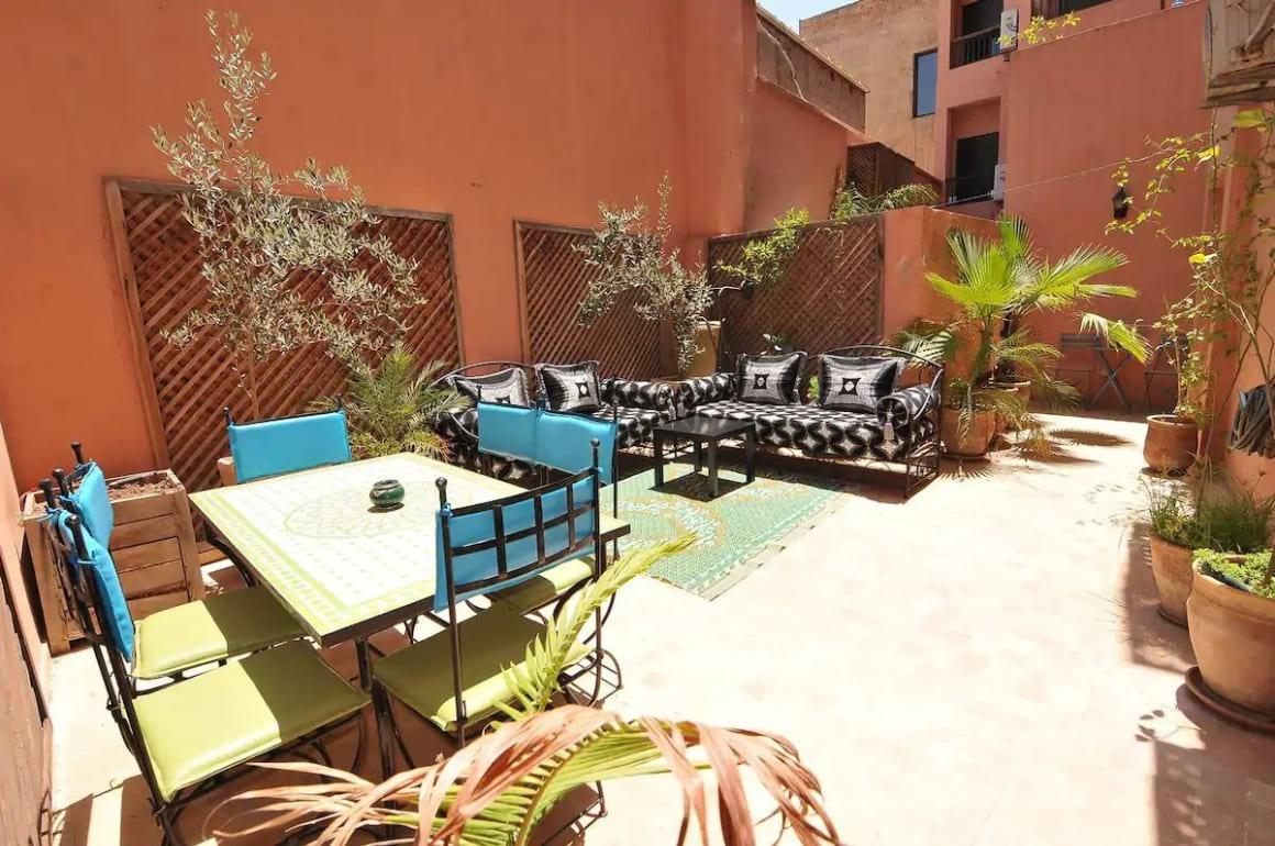Comfy traditional condominium