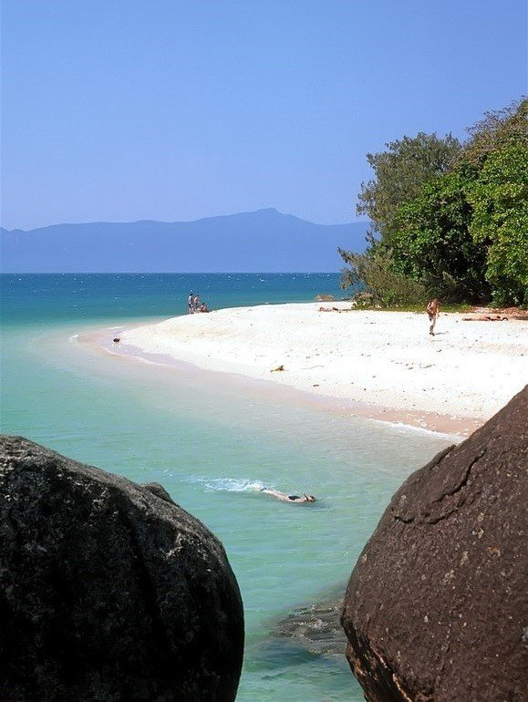 backpacking fitzroy island near cairns