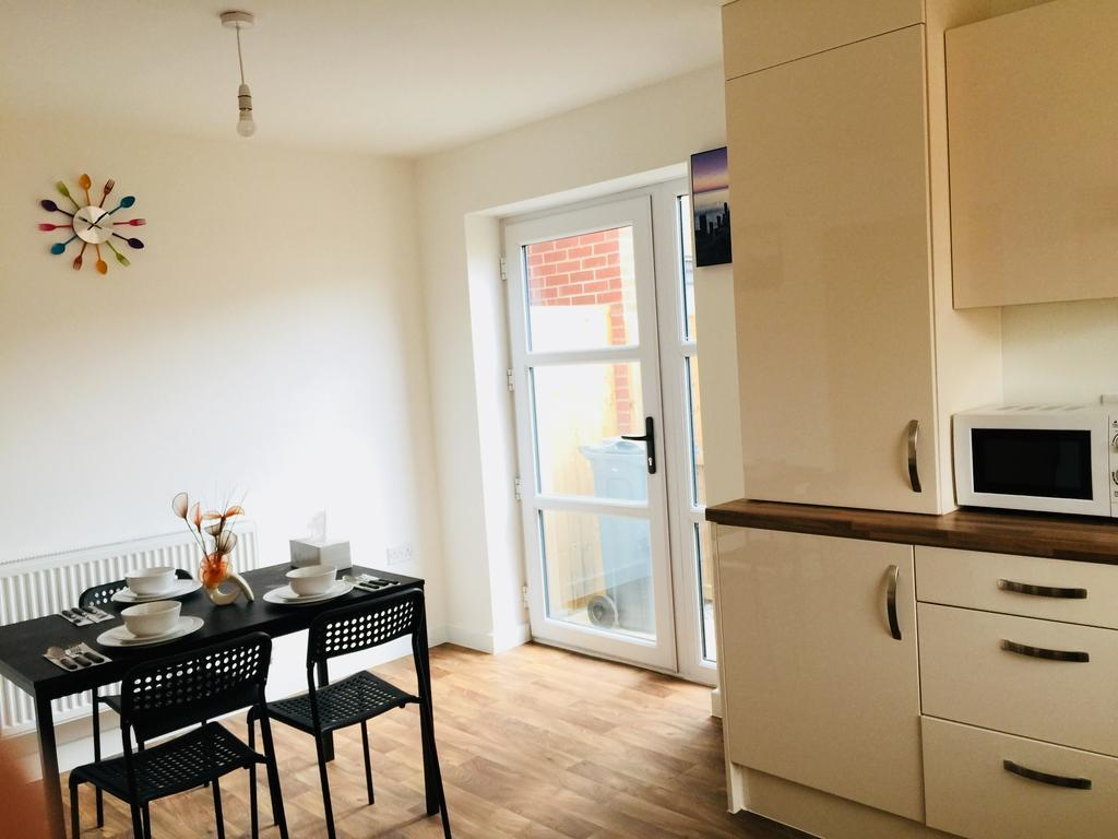 Holiday Guest House best hostels in Manchester