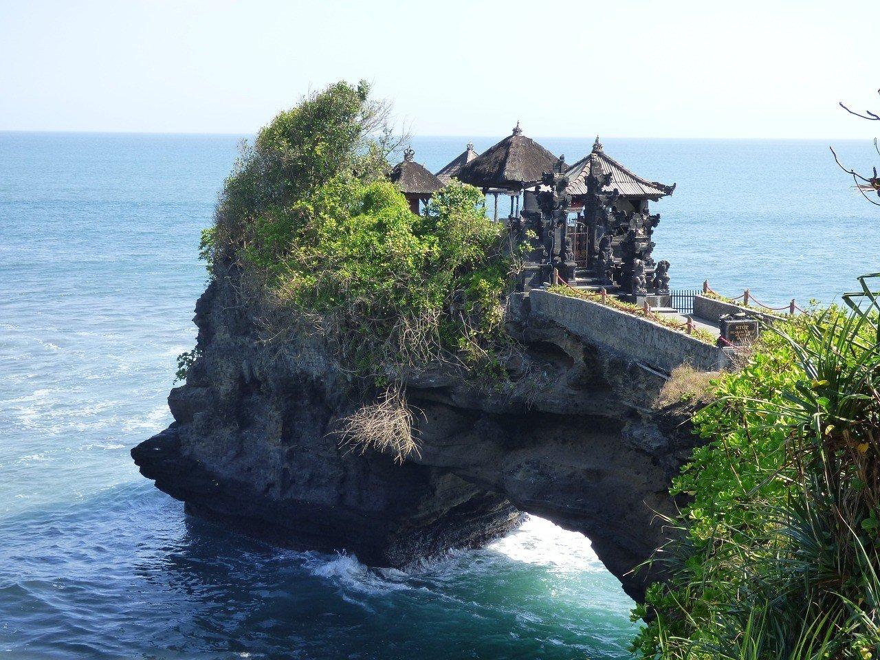 tanah lot bali indonesiaa