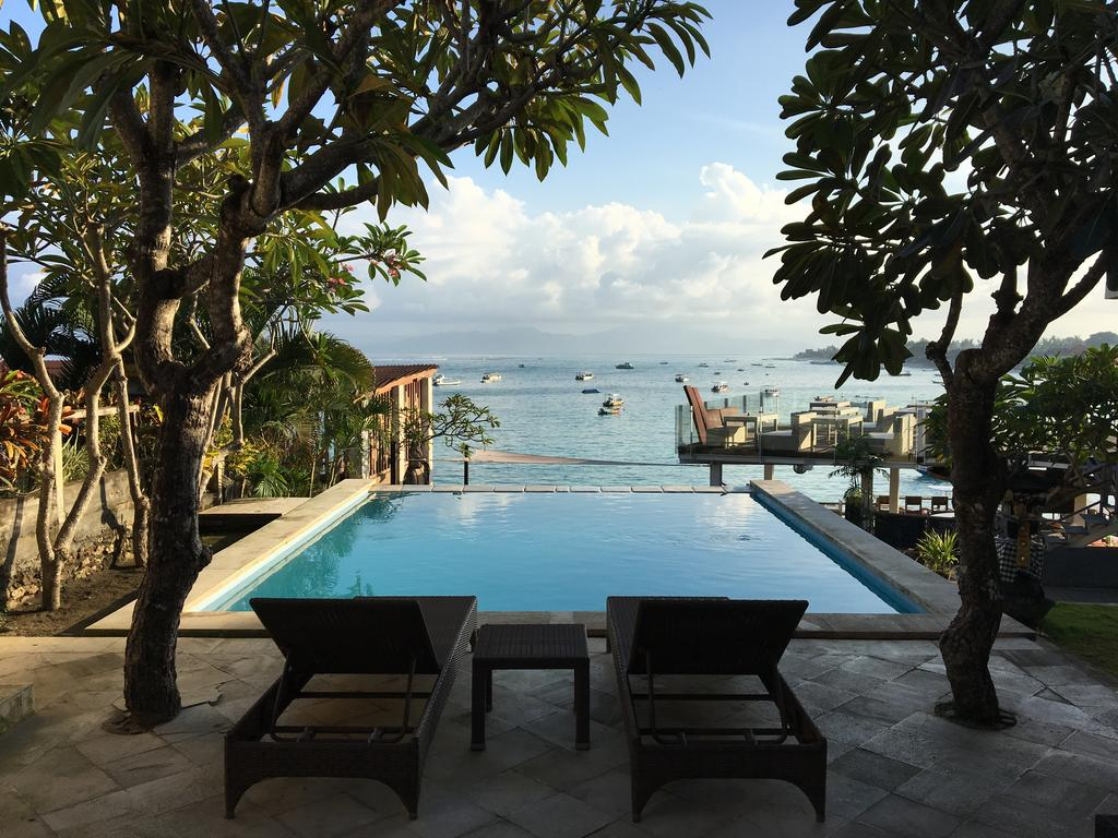 Mojosurf Camp Nusa Lembongan - a best cheap hotel deal found online