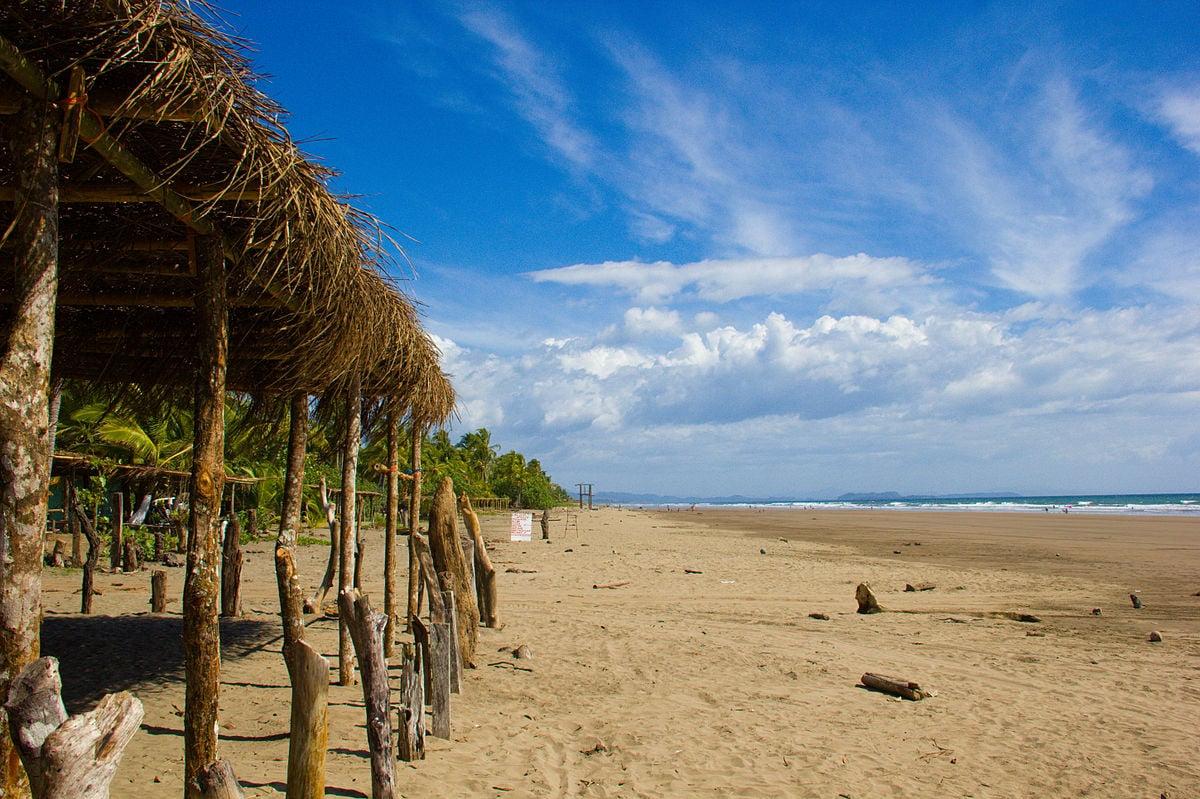 las lajas beach hut panama