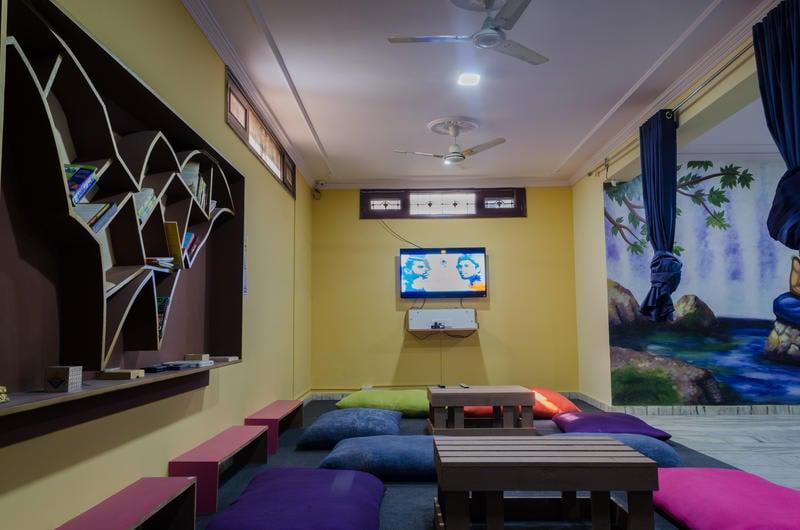 Wanderers Nest best hostels in Jaipur