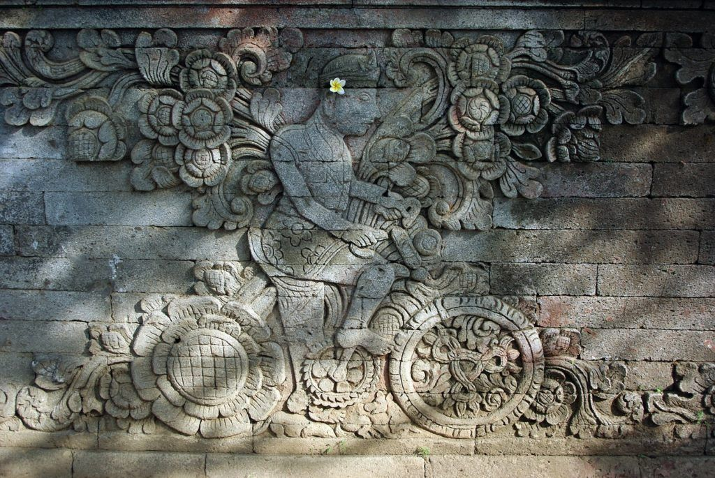 bicycle carving in bali