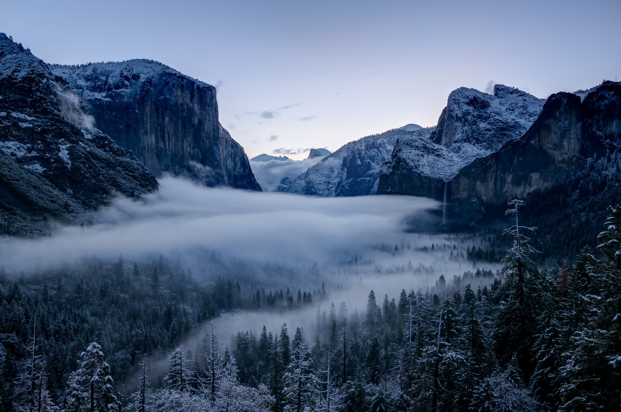 yosemite valley with snow in winter