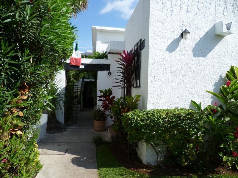 Hania Hostal - Cancun best hostels in Mexico