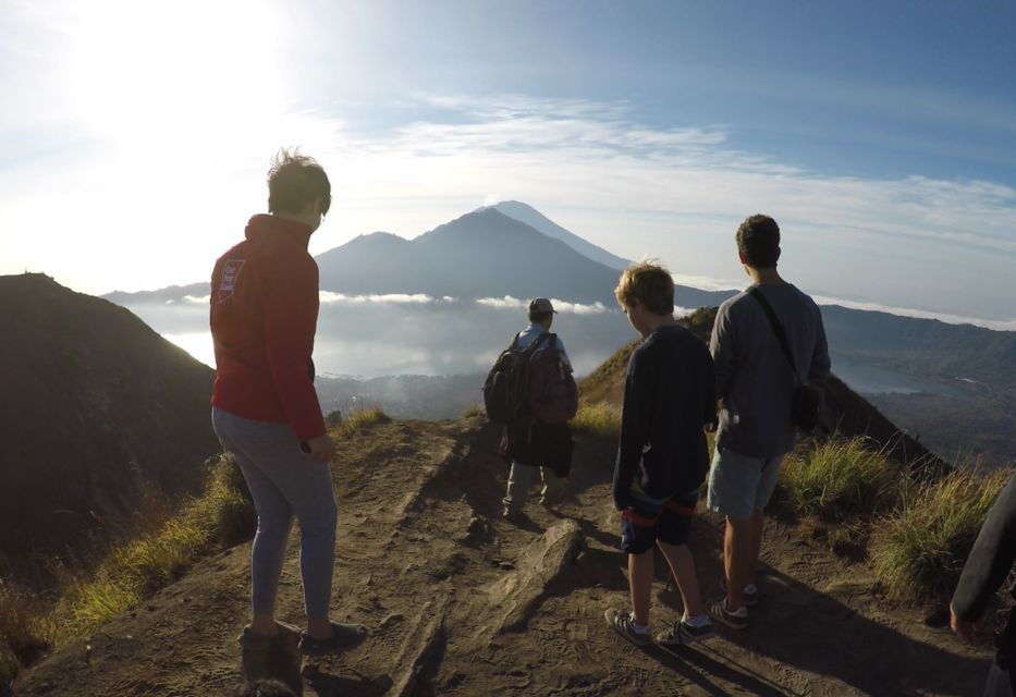 Hike up in active volcano