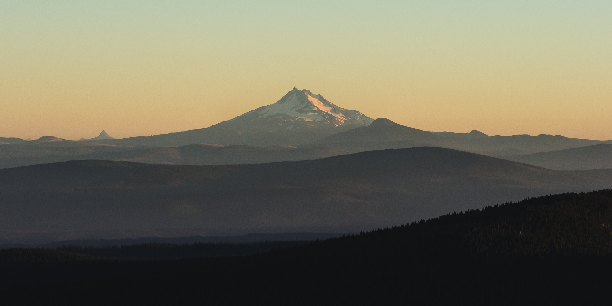 mt jefferson eastern oregon as seen from lookout mountain roaming ralph