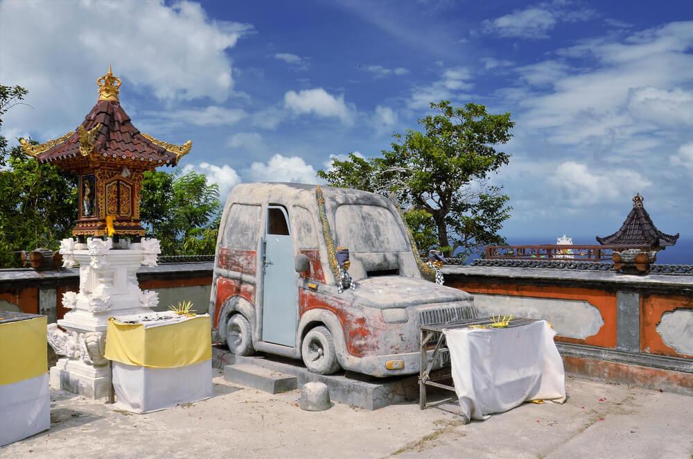 Visit a vehicle venerating temple