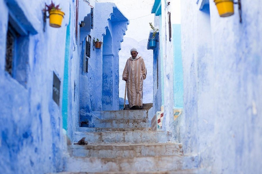 A Moroccan man in an alleyway