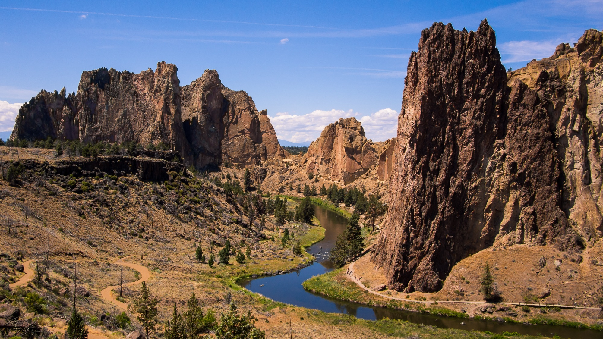 smith rock near end oregon road trip roaming ralph photography