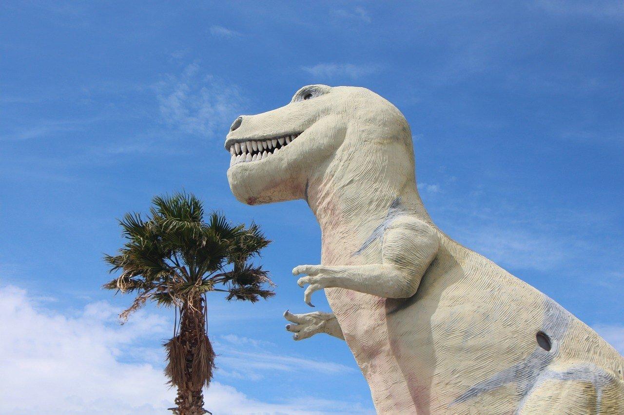 roadside attraction dinosaur california