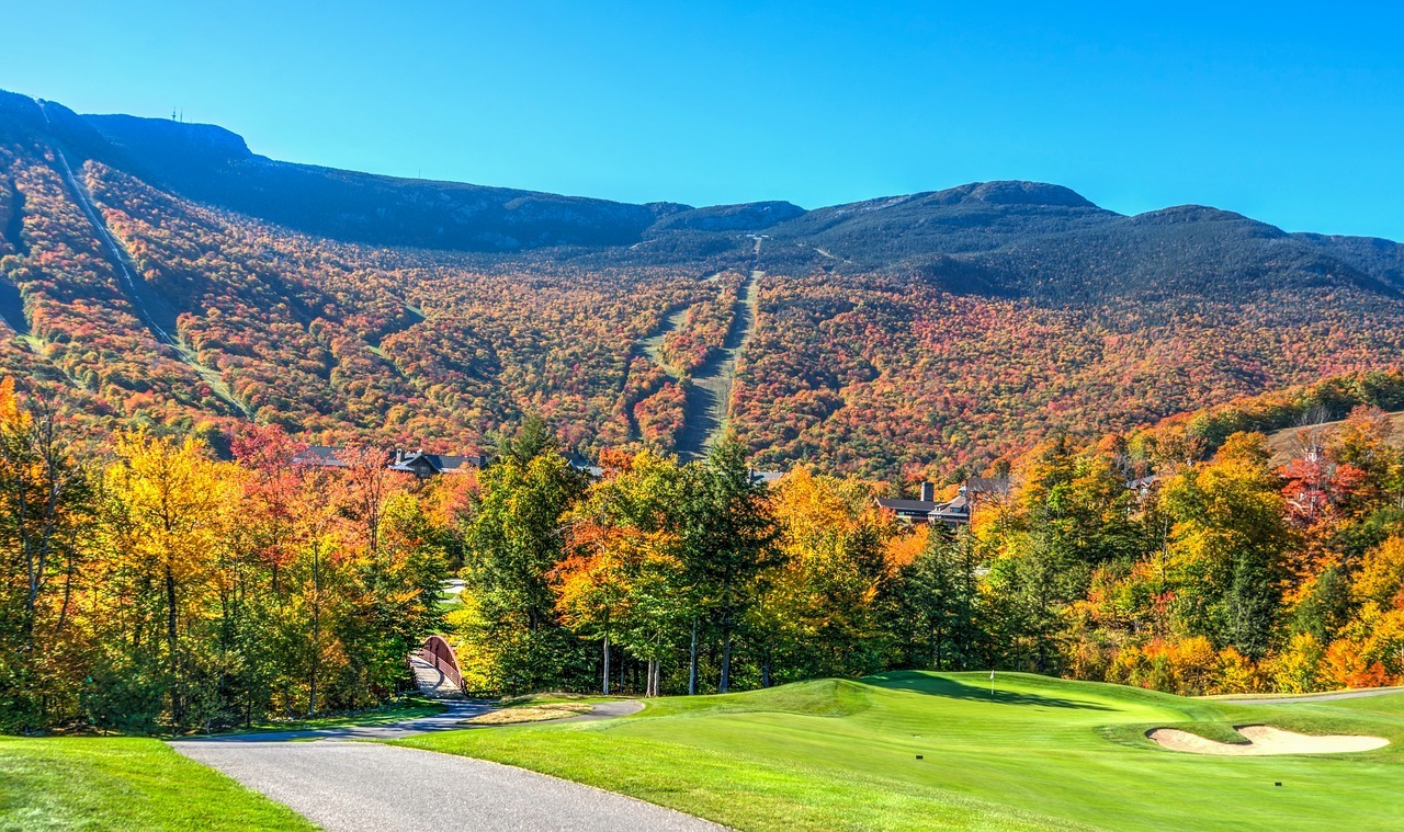 vermont mountain notch fall foliage road trip new england