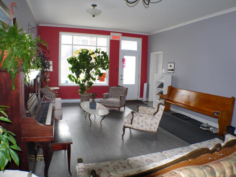Auberge Jeunesse LouLou's Backpacker best hostels in Canada