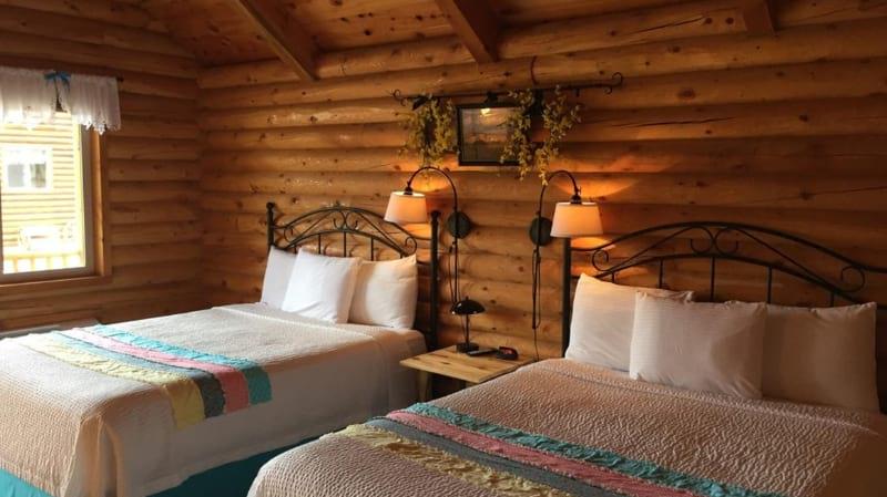 Bryce Canyon Log Cabins