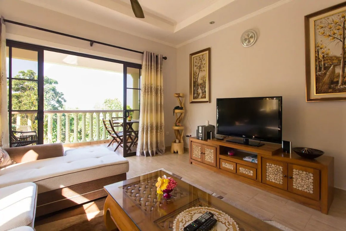 Charming 2 BR Family Aparment