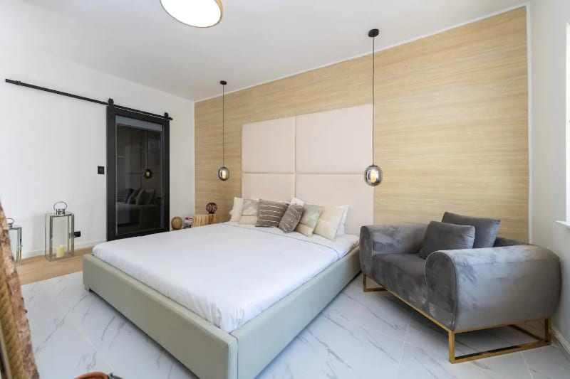Cozy and stylish one bedroom hub for the best nightlife