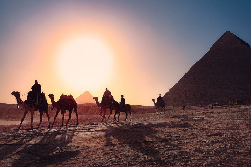 Travelling safe in Egypt camel trekking