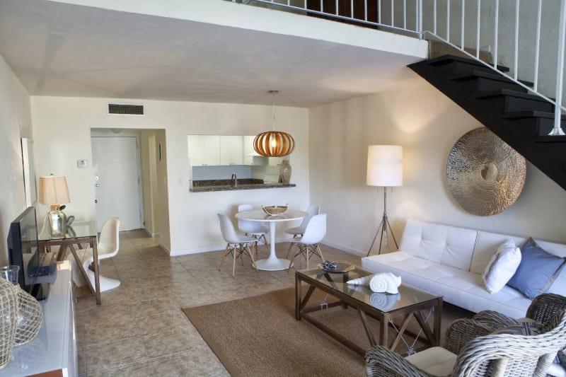 One bedroom loft with housekeeping