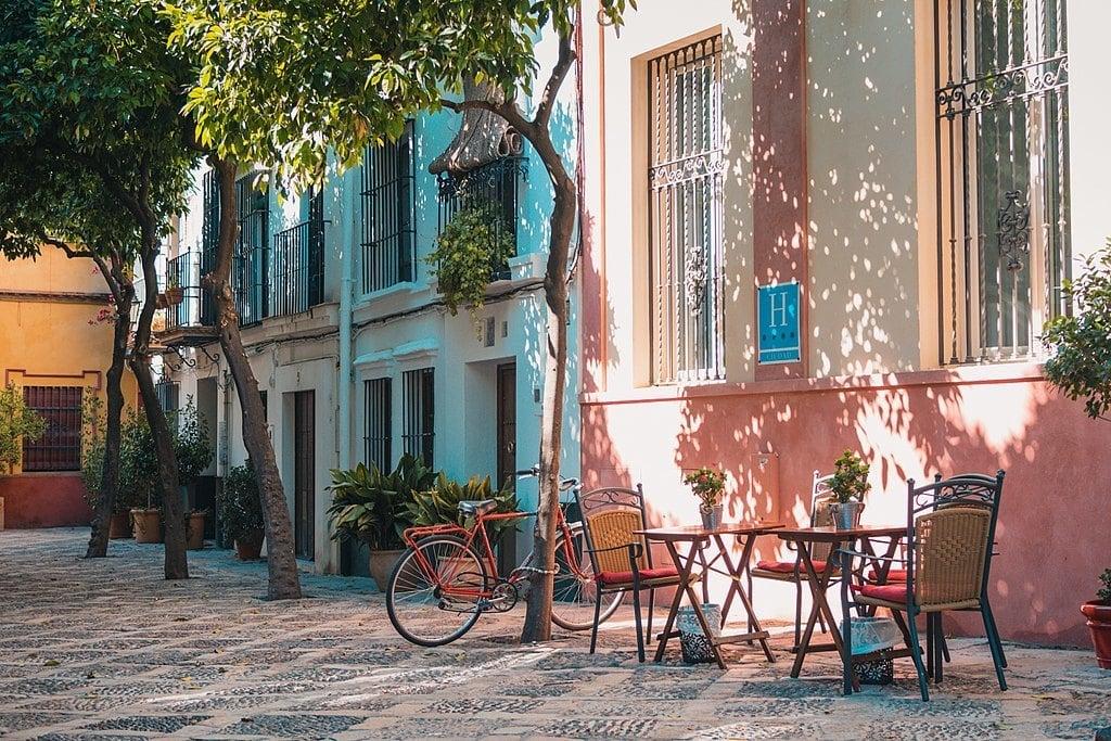 Santa Cruz Neighborhood, Seville