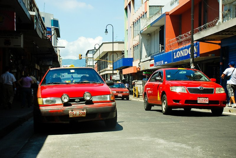 Are taxis safe in Costa Rica?
