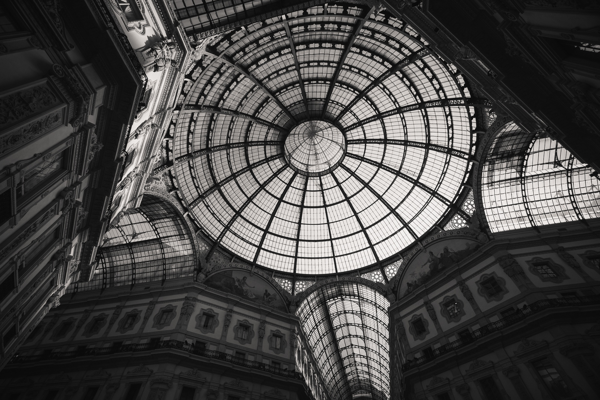 galleria vitore emanule roaming ralph photography milan travel guide