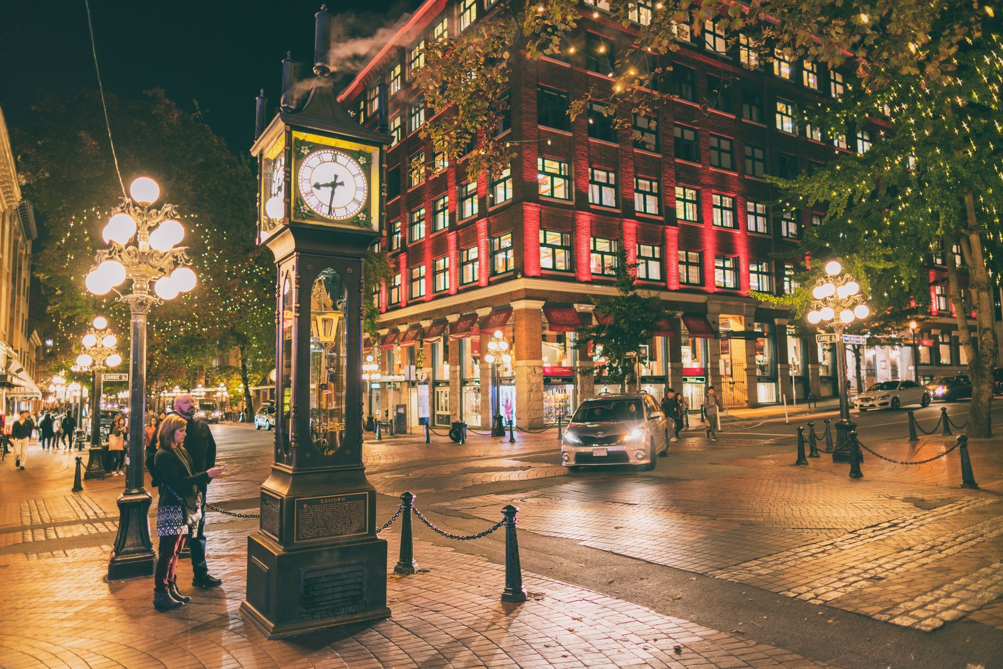 gastown steam clock backpacking vancouver
