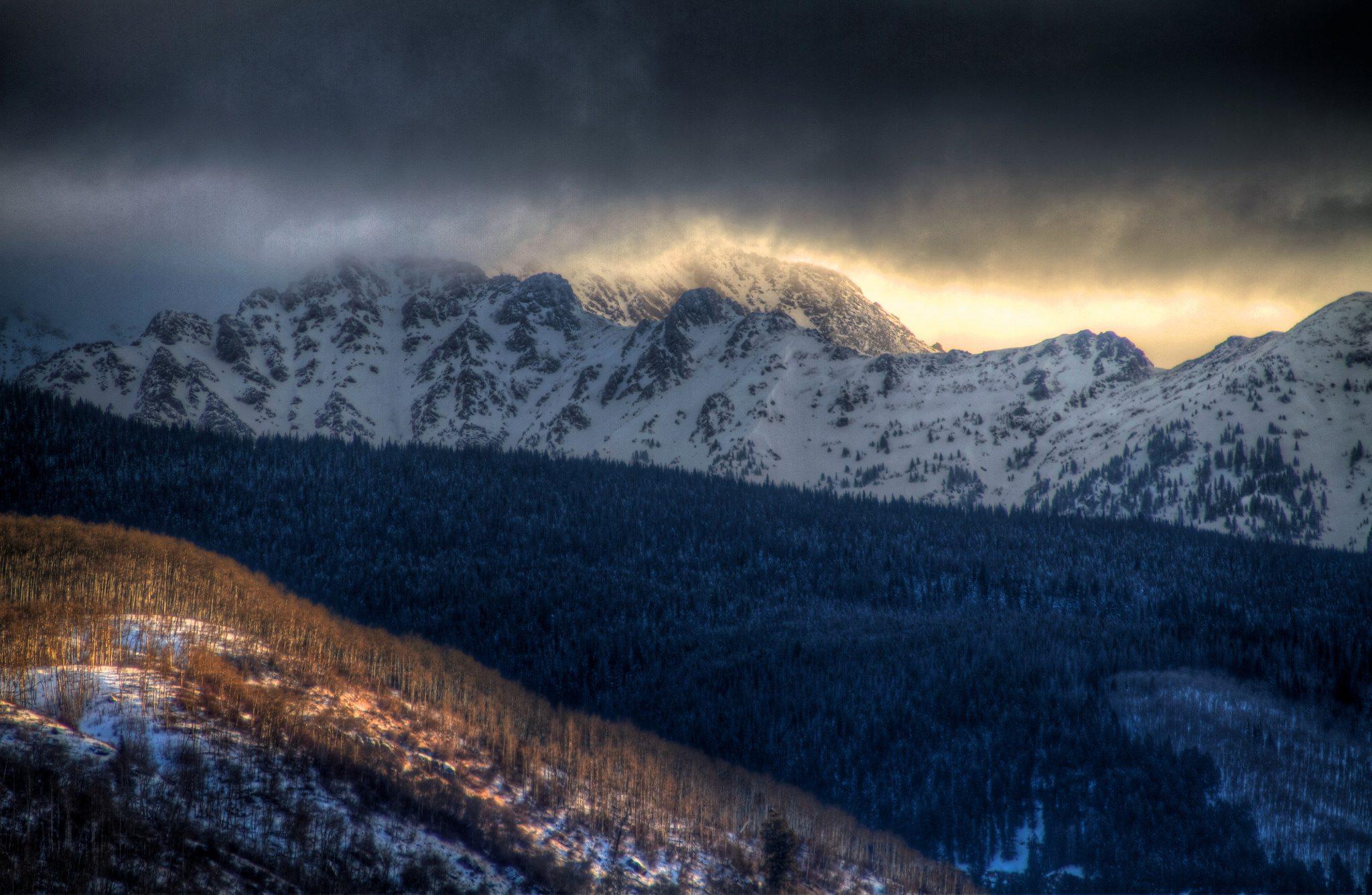 gore range dramatic light best colorado hikes