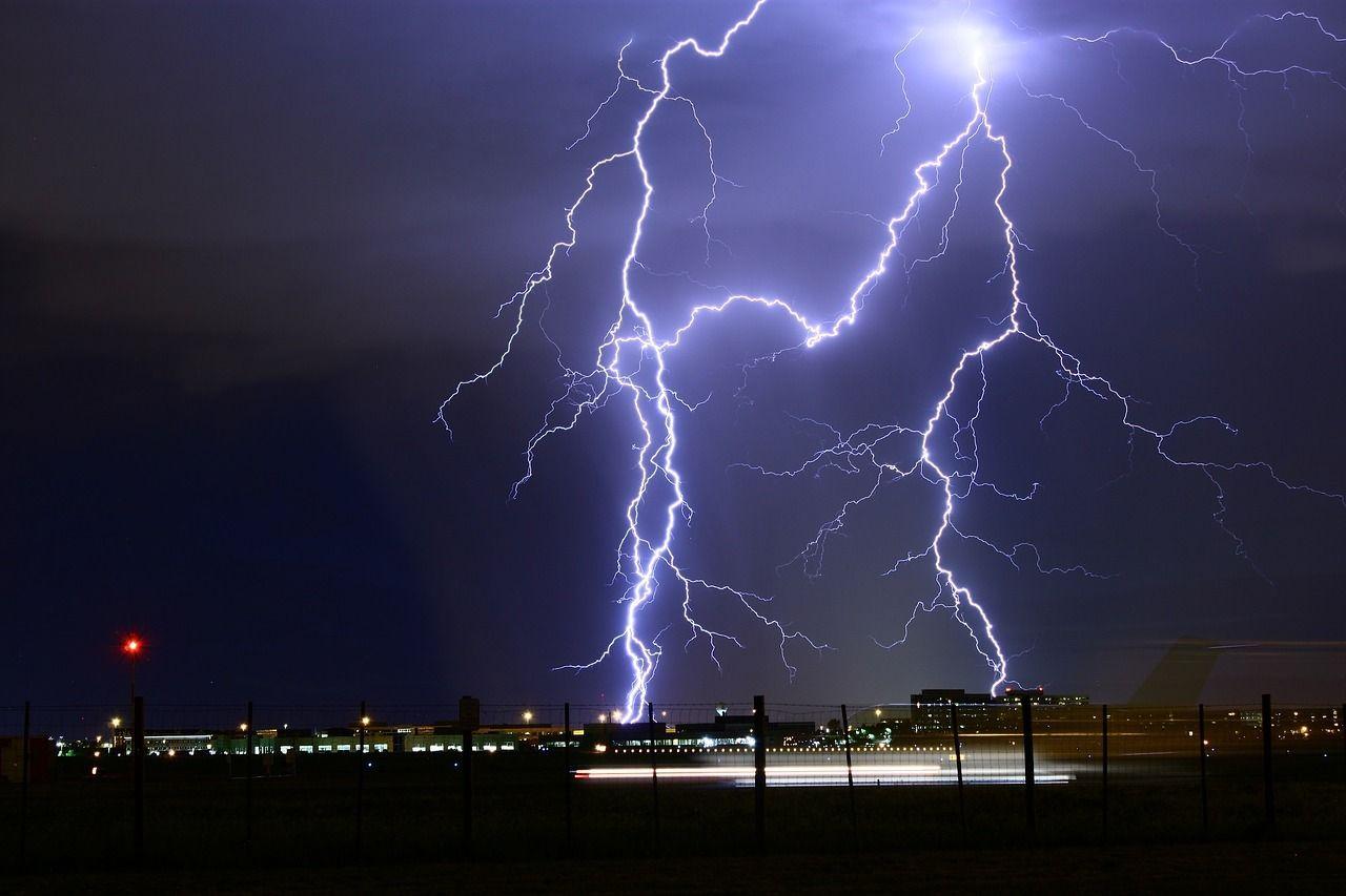 lightning storm denver travel guide