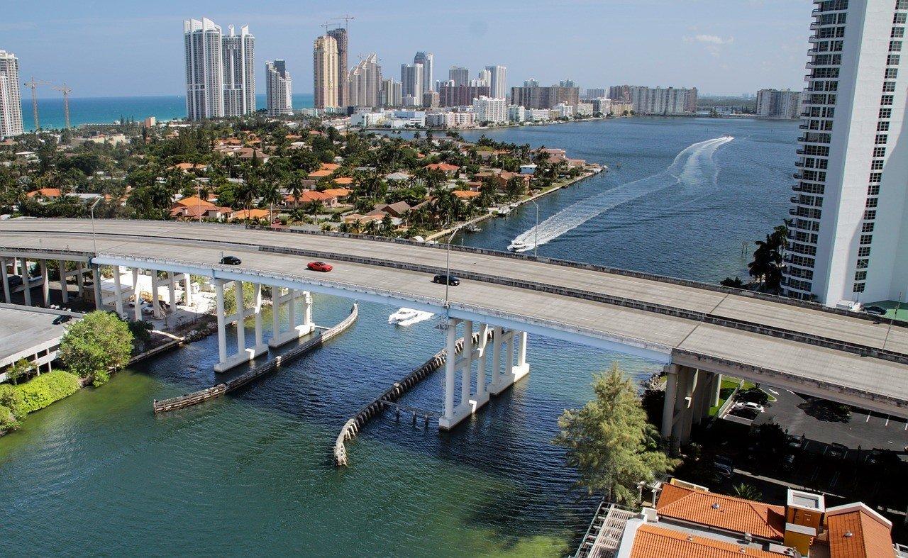 The bridge to Miami Beach